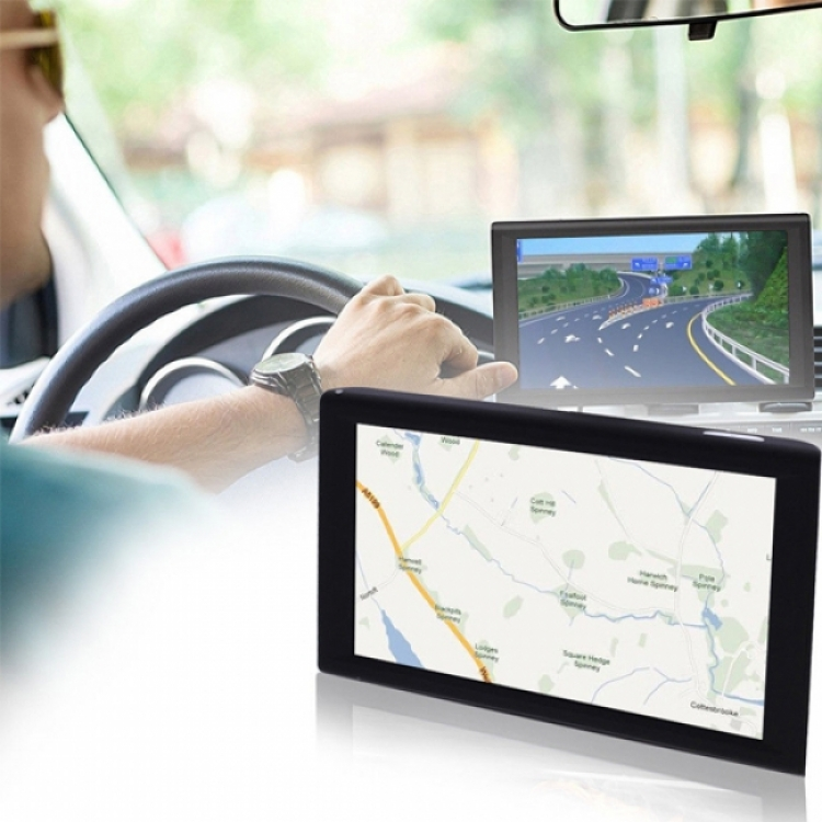Четириядрена GPS навигация за кола Leos Drive XL